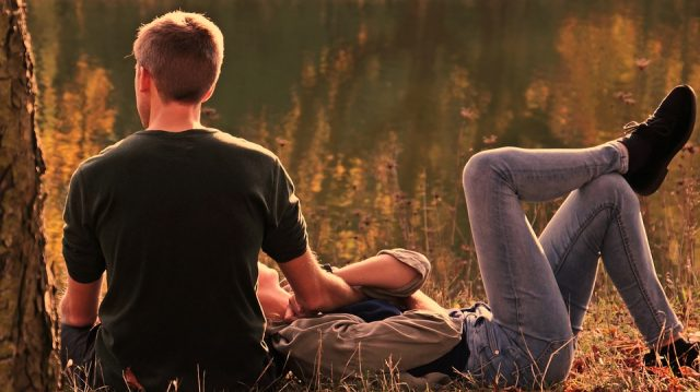 signos que abandonaran a sus amigos por una relación